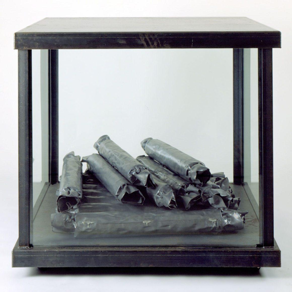 Susana Solano Sweets, 1991 Hierro, plomo y vidrio IVAM, Institut Valencià d'Art Modern. Generalitat.